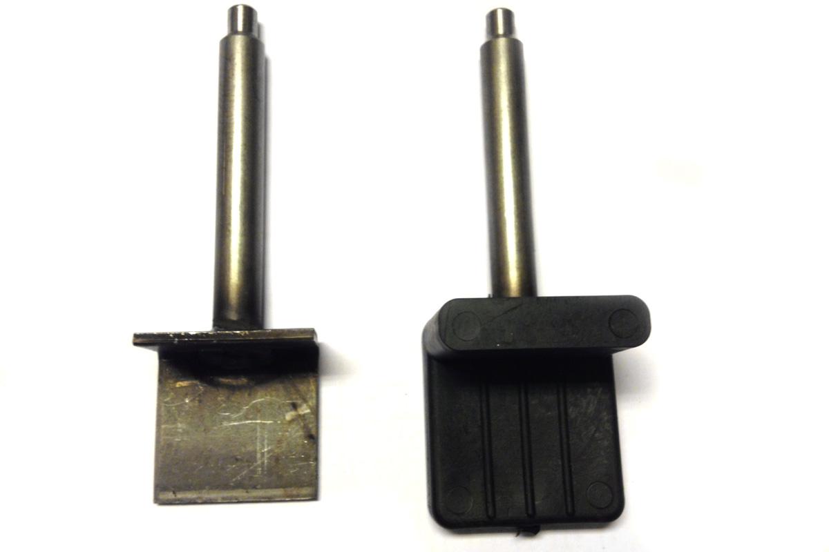 Rivestimento in gomma di un cavalletto per moto in metallo tramite sovrainiezione